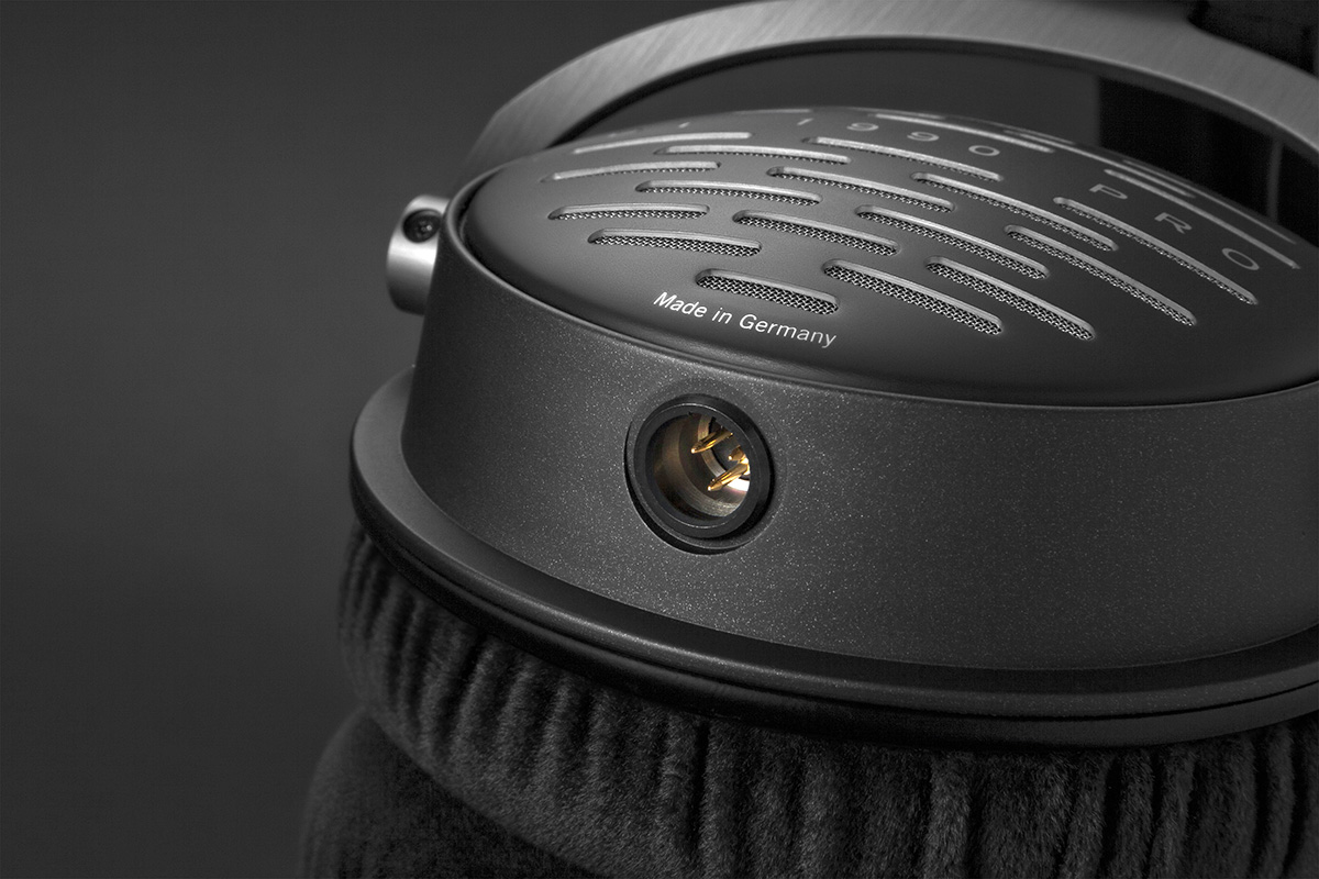 new beyerdynamic dt 1990 pro reference class headphones. Black Bedroom Furniture Sets. Home Design Ideas