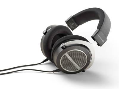 Beyerdynamic Introduces Amiron Home Open-Back Headphones at Tokyo Headphone Festival 2016